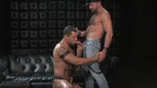 Well hung hairy guy in sex session