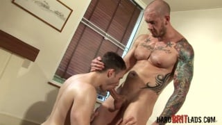 Hot bottom lad takes mascline daddy's cock