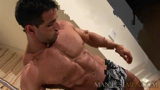 Mindblowing hot and muscular man