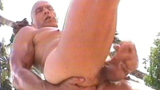 Daddies suck cock in the sunshine