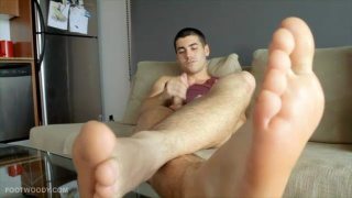 Bare Foot Jack Off
