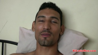 Argentinian Guy Beats Off