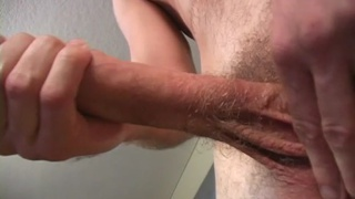 Surfer Jerks Big Dick