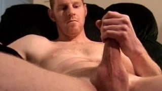 Macho Straight Dude Fisting his Cock