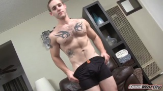 Hairy Tatted Guy Gets Handjob