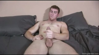 Beefy College Guy Jerking