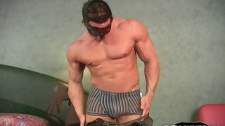 Masked Massive Muscle Beating Off