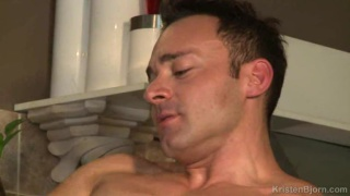 Muscle Hunks Leonardo Lucatto and Nicolas Taxman