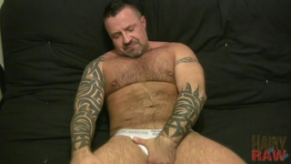 Sexy Beefy Bear Jacking Off