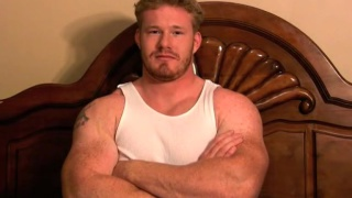 Huge straight muscle man jerks off