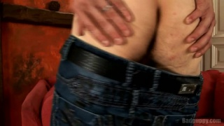 Hot Euro Stud Fingers Tight Holt
