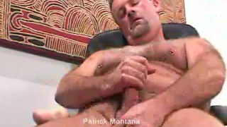 Partick Montana a hairy daddy