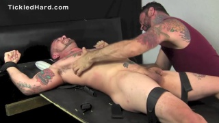 tattooed straight stud gets size 12 feet tickled