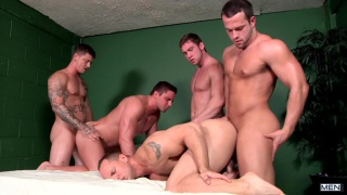 bubblicious asses in a fucking orgy