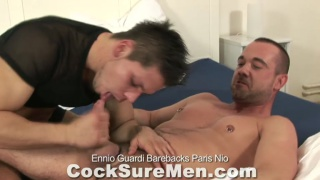younger guy blows hunkhis thick man meat