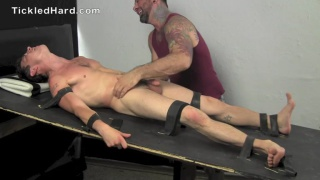 this straight boy doesn't think he's ticklish