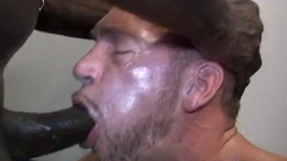 hairy man loves brutha cock up his raw hole