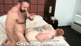 ginger bottom takes muscle bear's raw dick