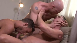 bald muscle hunk in BB threeway