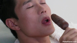 Asian Hunk Peter Lee Sucking Frozen Banana