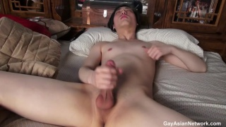 korean guy masturbates