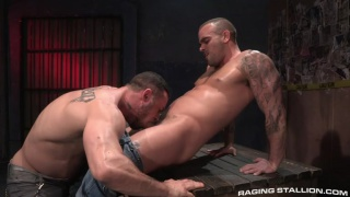 Damien Crosse fucks Seven Dixon's big beefy ass