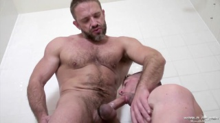 Dirk Caber fucks Scott Hunter