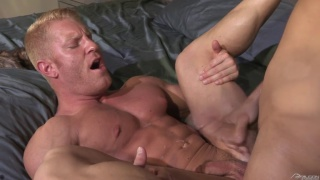 Lance Luciano fucks blond muscle hunk Johnny V