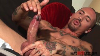 Alexx Desley jacking off at hard brit lads
