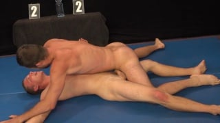 alan and hugo in submission wrestling match