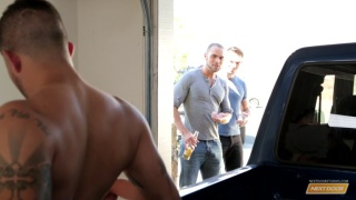 4 hunks fucking in the back of a pick-up
