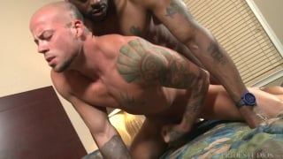 black room-service hunk fucks a guest in his room