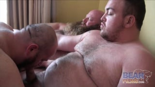 big bear man in threeway suck
