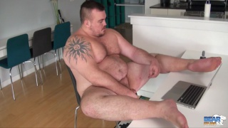 big-bellied gunner jacking off online