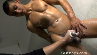 sexy rodrigo rossalini gets his body and cock worshiped