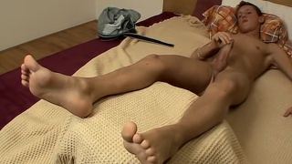 gorgeous young euro boy beats off