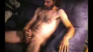 bearded redneck cums on his bushy pubes
