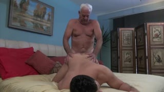 daddy admirer gets his ass fucked