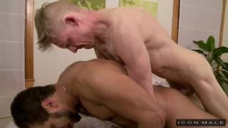 brock avery gets fucked on rob yaeger's massage table