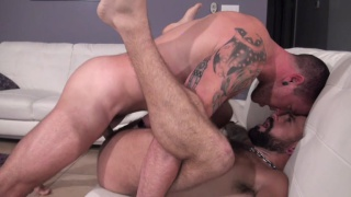 Max Cameron bare fucks Jon Shield