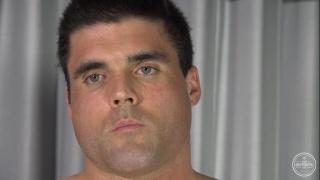 gorgeous bodybuilder jacks his cock