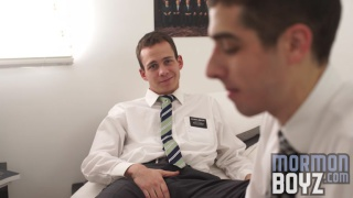 Mischievous Elder Lindsay Seduces His Companion