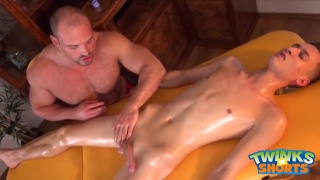 muscle masseur works his magic on twink client