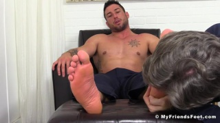 casey more orders foot slave on his knees