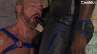 Dallas Steele chokes on Diesel Washington's huge cock