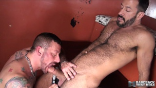Hugh Hunter enjoys Vinnie Stefano's fat cock