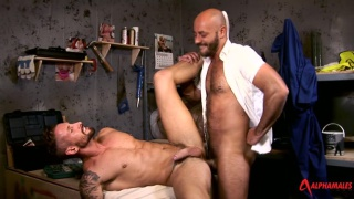 hunky builders fuck in their workroom