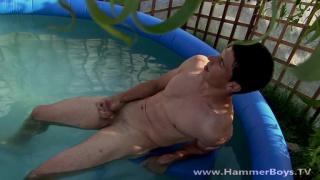 sexy guy Andre Otam jerks off in pool