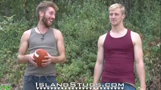 Oregon Roommates play naked football