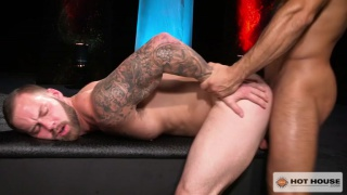 sean zevran gives chris bines an ass pounding